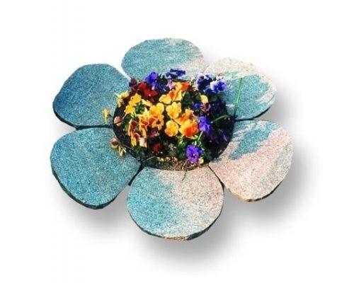 sten og blomsteropsætning