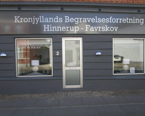 kronjyllands begravelsesforretning hinnerup